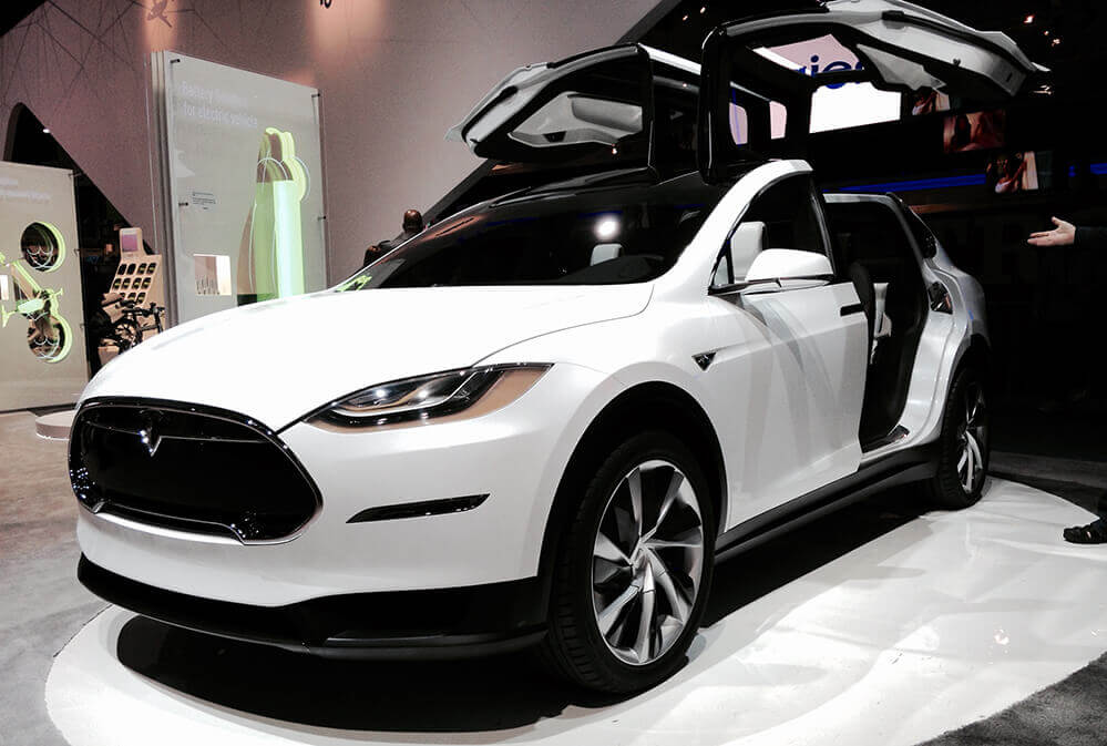 TFX-International-vehicle-transport-Canada: Tesla Model X